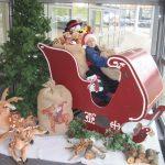 Kerstman arreslee decor
